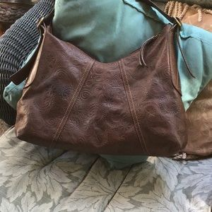 Awesome Fossil designed leather shoulder bag